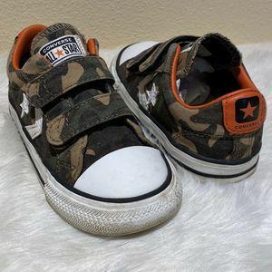 CONVERSE All Star Chuck Taylor Green Camo Sneakers